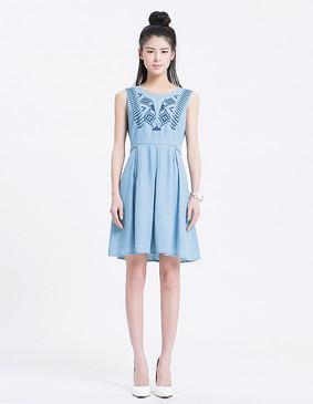 YCAL1-3700 甜美撞色线绣花牛仔连衣裙 蓝色 S