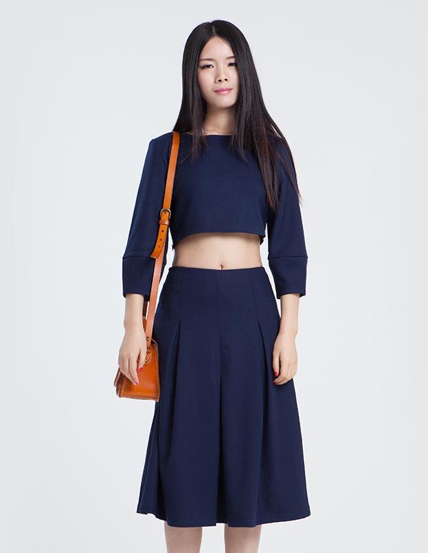 【伊霓裳】L-14219 中袖套头露脐上衣
