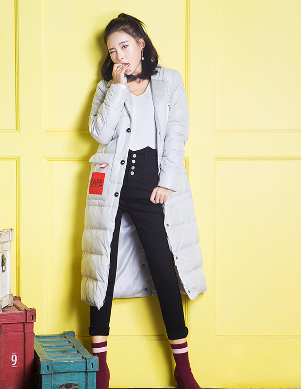 【伊霓裳】YCDQ-958 贴布绣潮牌长款羽绒服