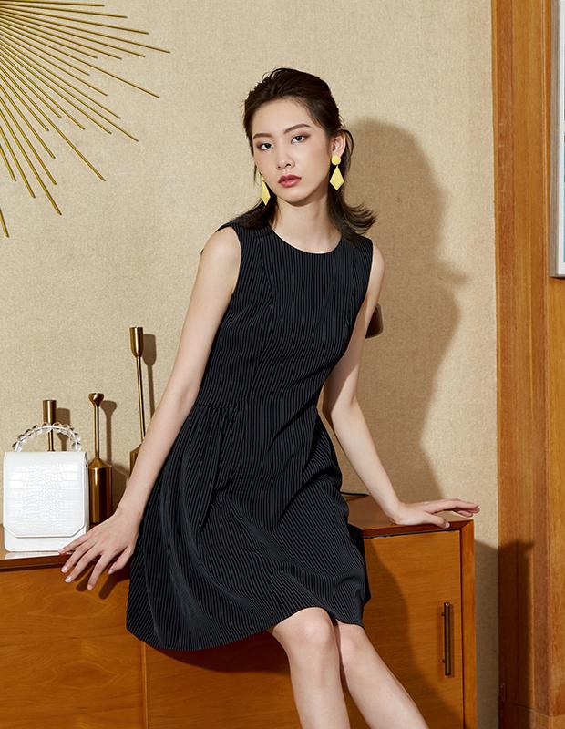 【伊霓裳】YYBJ-0047 通勤暗条无袖连衣裙