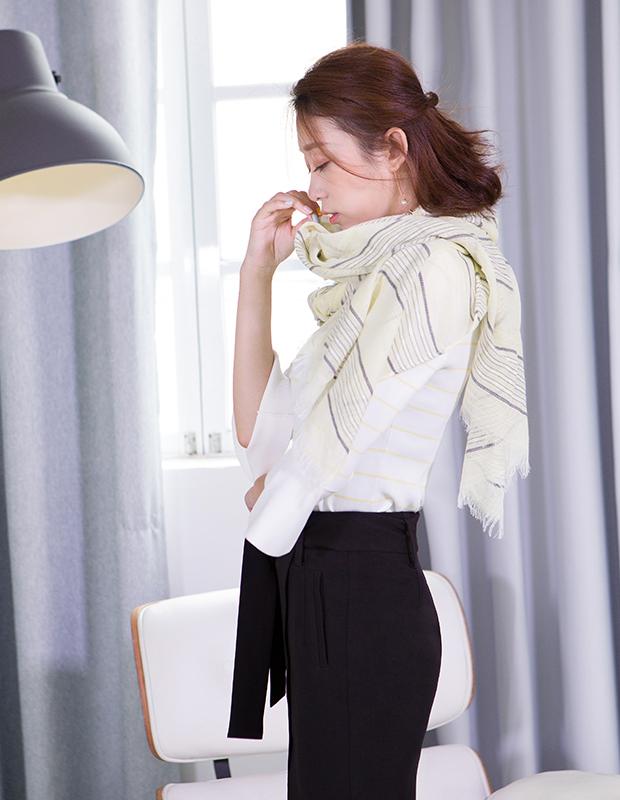 【伊霓裳】YCCQ-513 条纹喇叭袖毛衫